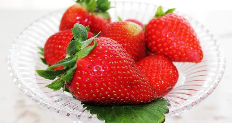 patera z owocami